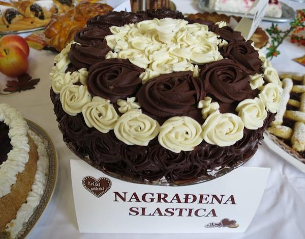 Torta Glamur odabir je i stručnoga ocjenjivačkog suda i publike (Snimila Božica Brkan / Oblizeki)