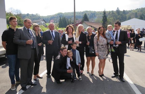 Za obiteljski album: obitelji Šikić i Runtas (Snimila Božica brkan / Acumen)
