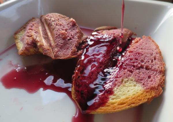Odaberite kvalitetno vino, a ako nemate ploče za popeći kruh, možete se poslužiti tosterom (Snimila Božica Brkan / Oblizeki)