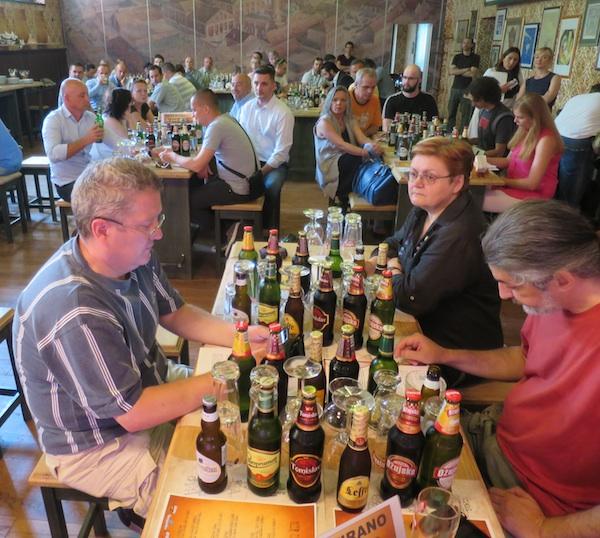 Nije se lako snaći u vrlo gostoljubivome svijetu piva (Snimio Miljenko Brezak / Oblizeki)