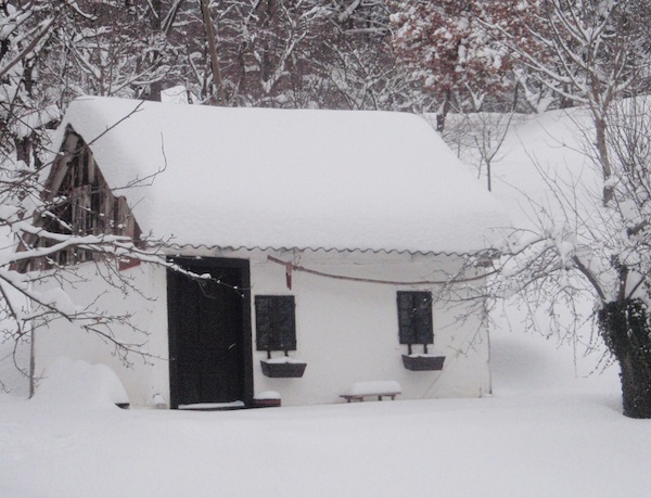 Cijeli zaselak u snijegu (Snimio Tibor Martan / Oblizeki)