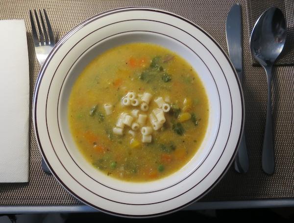 Jednostavna velika juha ovisna o regiji, rezoni, ukusu... (Fotografija Božica Brkan / Oblizeki)