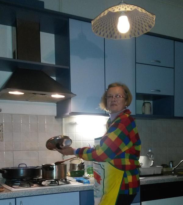Iz obiteljskoga albima: Karmen Gumbas u svojoj kuhinji