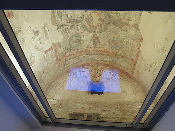 Svod starokršćanske rimske grobnice (Fotografija Miljenko Brezak / Oblizeki)