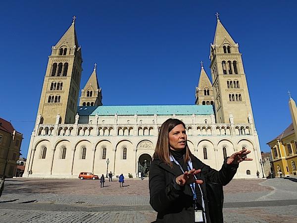 Katedrala u Pečuhu ima četiri zvonika (Fotografija Miljenko Brezak / Oblizeki)