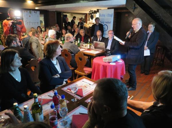 Poljski stihovi simultano prevođeni - Zbigniew Machej (Fotografija Miljenko Brezak / Oblizeki)