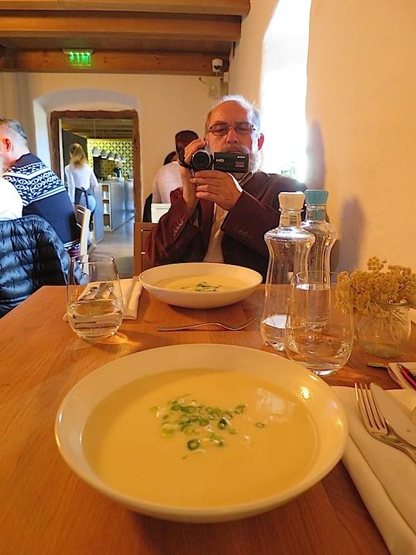 Fantastična juha od krumpira i sira brindze u mađarskom restoranu Almalomb (Fotografija Božica Brkan / Oblizeki)