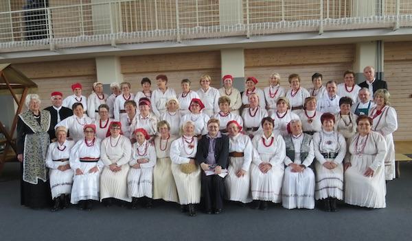 Božica Brkan sa svim natjecateljicama i gošćama iz Solina