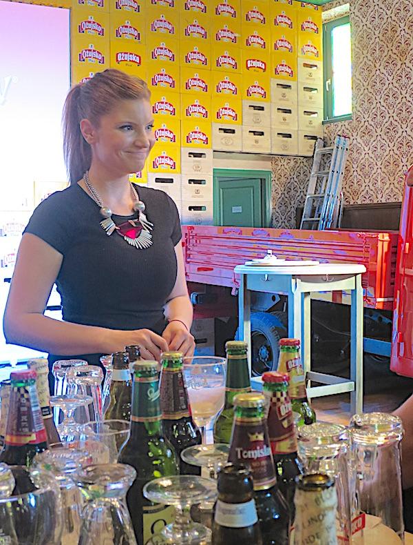 Mlada majstorica kuhinje Iva Pehar na jednoj od radionica sljubljivanja piva i hrane (Fotografija Miljenko Brezak / Oblizeki)