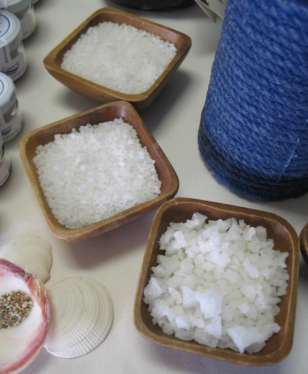 Različite vrste brendirane ninske soli (Fotografija Božica Brkan / Oblizeki)