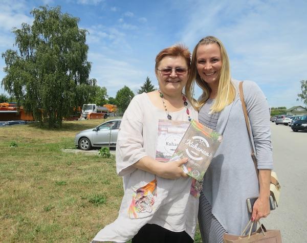 ... i s gotovom zajedničkom suvenirskom kuharicom u ljeto 2017. (Fotografija Miljenko Brezak / Oblizeki)