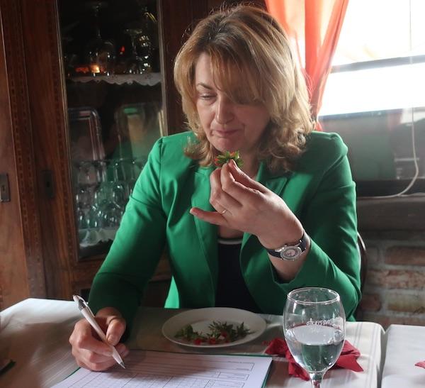Eva Pavić na KBC-u rebro brine o prehrani pacijenata i visoko cijeni jagode (Fotografija Miljenko Brezak / Oblizeki)