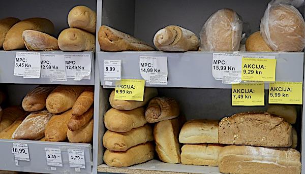 Dio ponude kruha jedne zagrebačke prodavaonice iz susjedstva (Fotografija Miljenko Brezak / Oblizeki)
