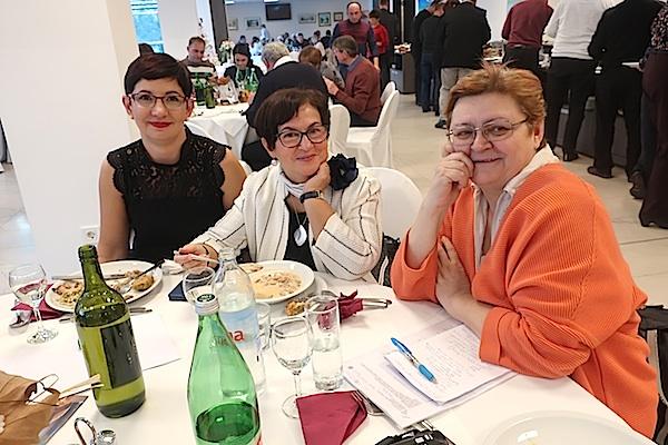 Analiza odmah uz tanjur: Sonja Fažon, kreatorica događaja Karmen Sinković i Božica Brkan (Fotografija Miljenko Brezak / Oblizeki)