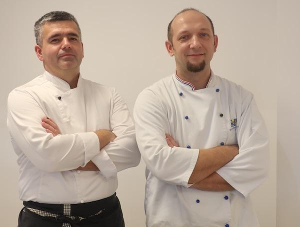 Profesori kuharstva Danijel Naranđa i Krunoslav Tilošanec zadovoljno obavljenim poslom i - pobrostranom koristi (Fotografija Božica Brkan / Oblizeki)