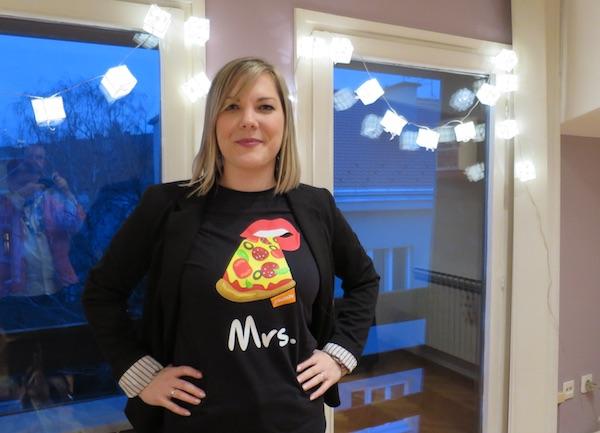 I na majici voditeljice marketinga Ane Vaci najčešće naručivano jelo preko Pauze.hr (Fotografija Božica Brkan / Oblizeki)