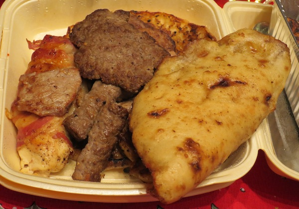 Može li se oplemeniti i običan roštilj i lepinje? (Fotografija Miljenko Brezak / Oblizeki)