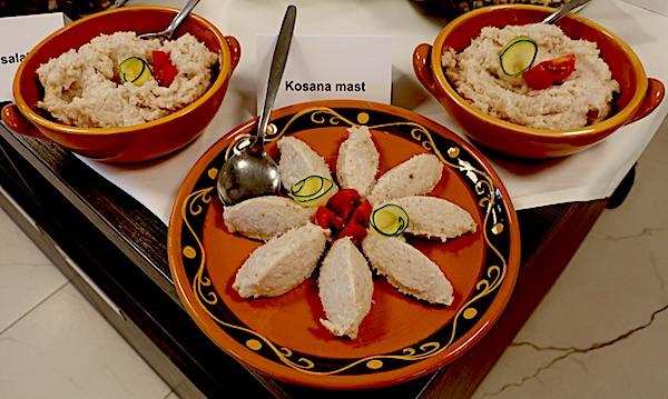 Međimurski specijalitet kosana mast poslužena na nekoliko modernih načina (Fotografija Božica Brkan / Oblizeki)