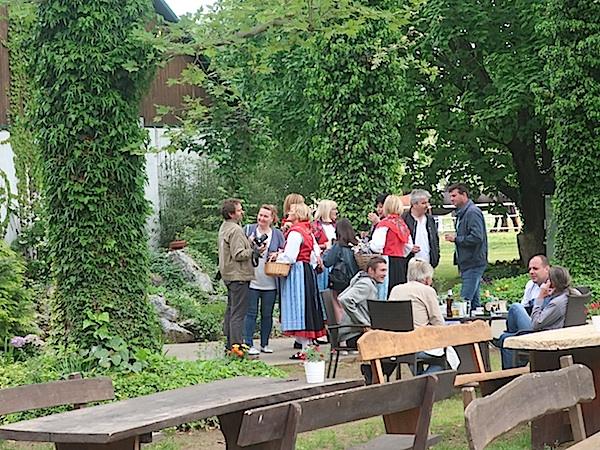 Gosti iz Dalmacije u zelenu višnjičkom eksterijeru (Fotografija Miljenko Brezak / Oblizeki)