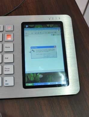 Primer plano de la pantalla táctil del Eee Keyboard PC