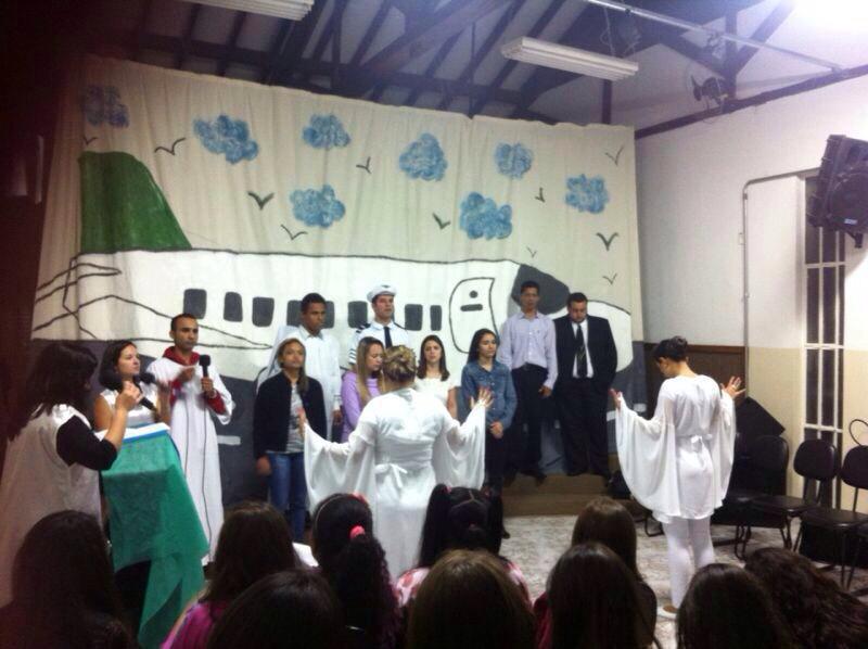 "Teatro ""O Embarque"" – JUBRAC"