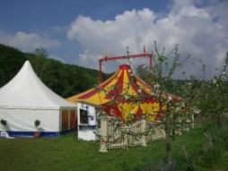 Pavilion_Zirkusvorzelt