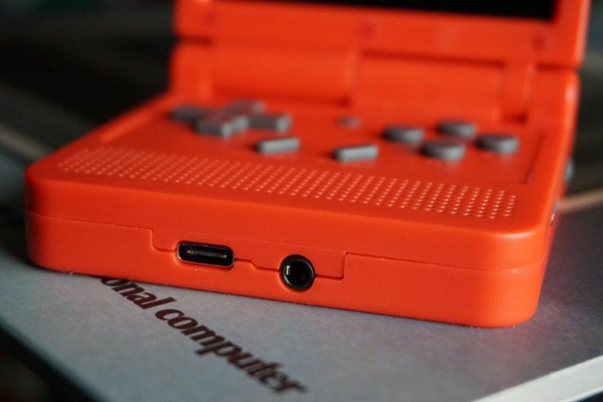 PowKiddy V90 USB-C Charging Port