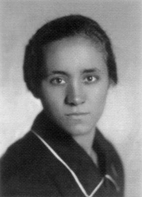 madreteresa-1920s-1.jpg