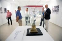 """La maqueta """"La avería"""", de Gregorio González, homenaje a los trabajadores que participaron en la reconstrucción tras la riada que asoló parte de Santa Cruz de Tenerife el 31 de marzo de 2002 / LUIS ROCA ARENCIBIA"""