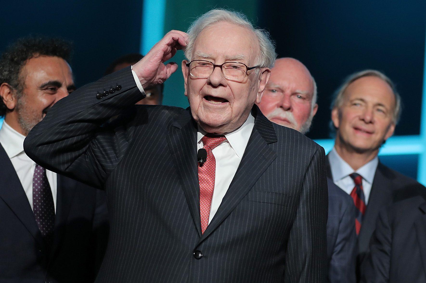 Warren Buffett Finally Ditches His $30 Flip Phone For an iPhone