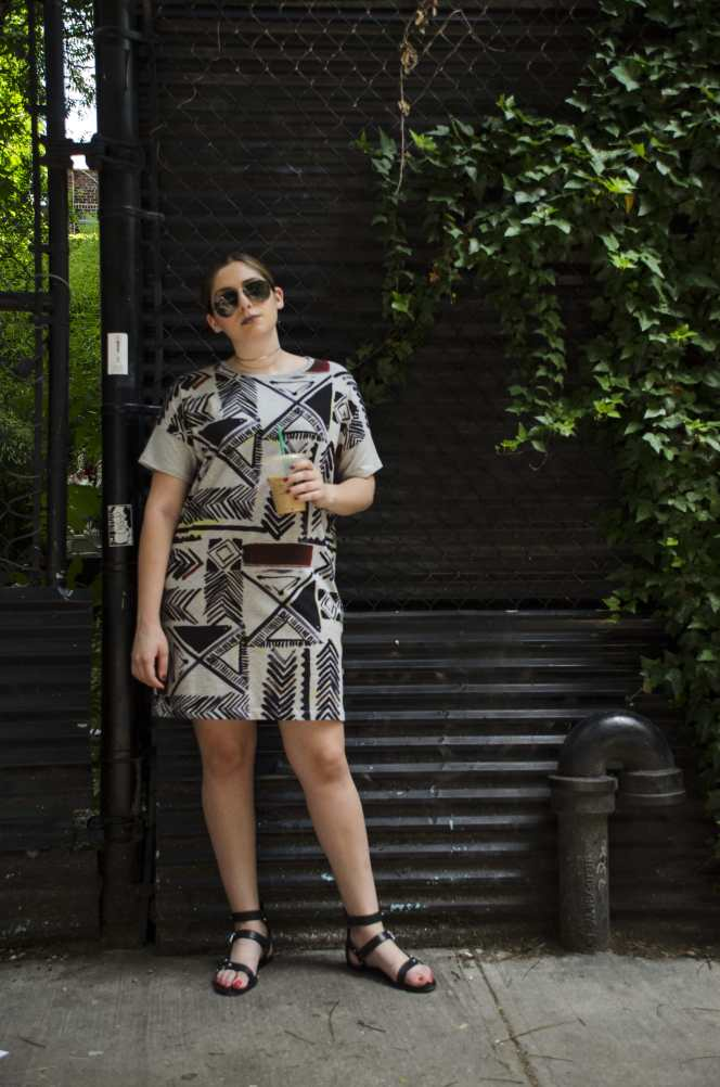 summer-outfit-graphic-tee-shirt-dress