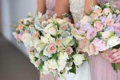 Jak zaoszczędzić na weselu - wiązanki ślubne