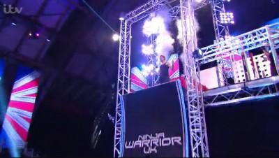 Thomas-NinjaWarrior-UK-En-Haut-Rampe