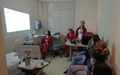 Internas de nuestra escuela realizan capacitación a matronas/nes y TENS en temas de Acreditación en el Hospital de Magallanes