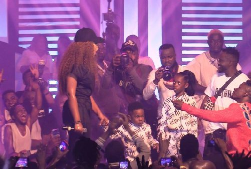 Reign Concert: Shatta Wale proposes to Michy on stage