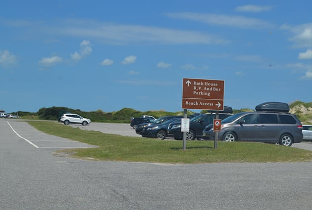 Coquina-beach-parking