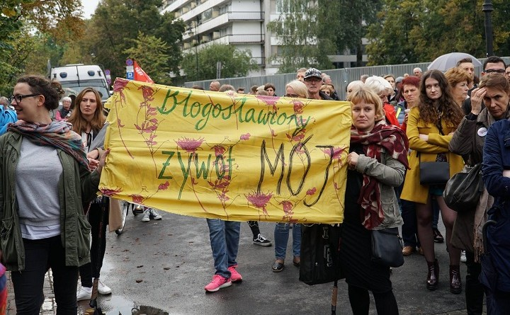Protest kobiet pod Sejmem