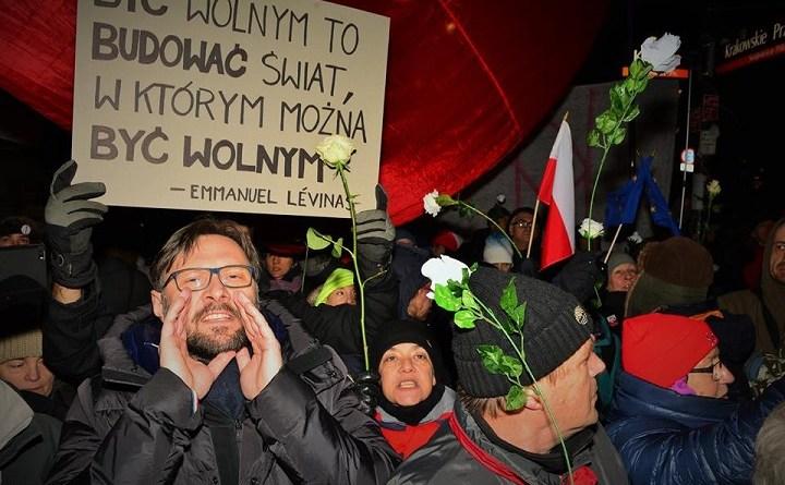 Kontrmiesięcznica na Krakowskim Przedmieściu