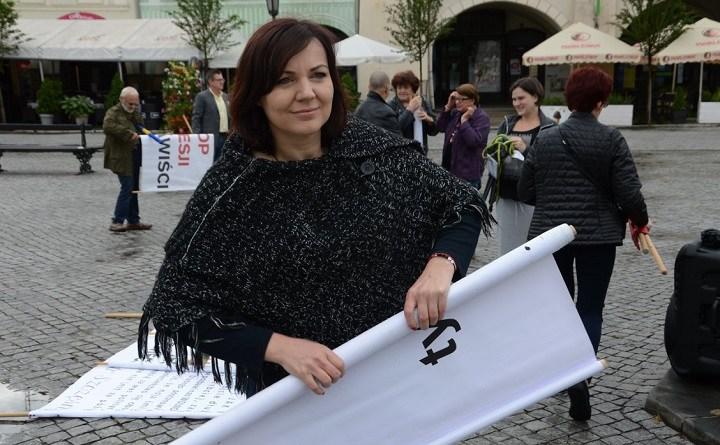 Gabriela Lazarek na rynku w Cieszynie