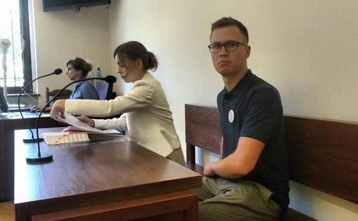 Sąd umorzył sprawę przeciwko Patrykowi Iwanickiemu za pikietę przy Trzemeskiej