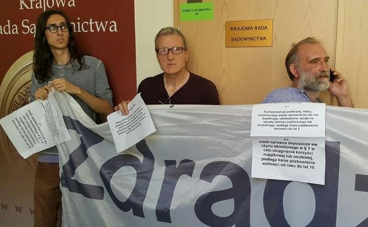Obywatele RP blokują KRS