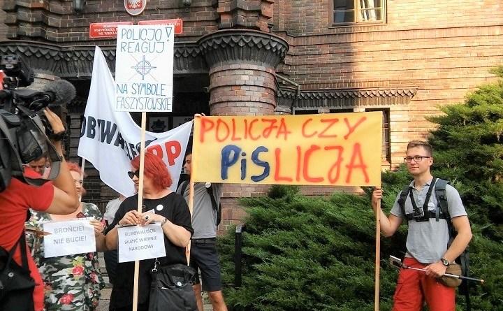 Nie dla upolityczniania policji - pikieta we Wrocławiu