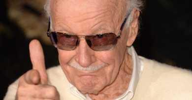 Após cancelar participação em duas Comic Cons por questões de saúde, Stan Lee avisa em rede social que já está melhor