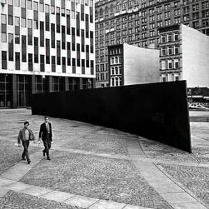 Tilted Arc, Richard Serra, 1981, sculpture, steel, New York City (destroyed). Photo © 1985 David Aschkenas