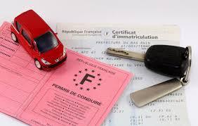 L'assurance et la carte grise de la voiture 4x4