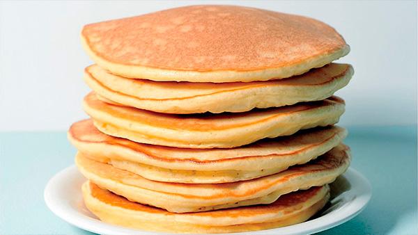 desayuno-hot-cakes