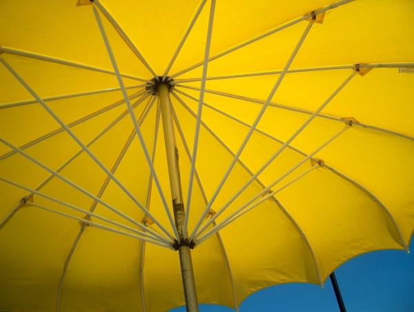 yellow-umbrella-742695_1280