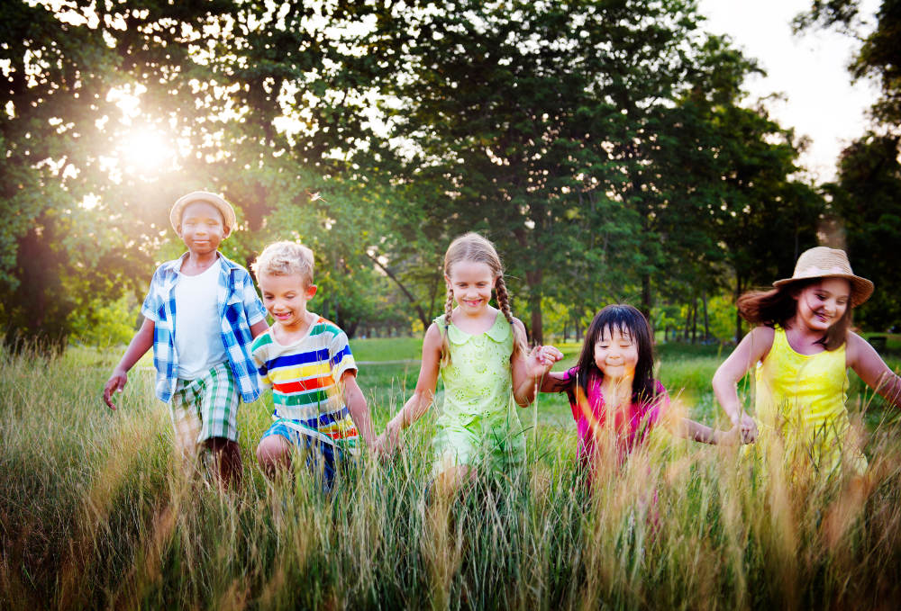 ocdc4u-diversity-children-childhood-friendship-cheerful-concept