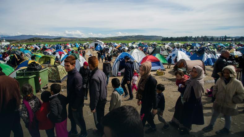 Imigranci na granicy Grecji z Macedonią