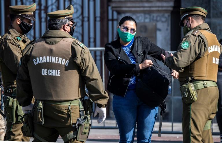 NNN: Во вторник в Чили было зарегистрировано 349 800 случаев новой коронавирусной инфекции и 9 240 случаев смерти от этой болезни. По данным Министерства здравоохранения, за предыдущие 24 часа в ходе анализов было выявлено 1876 новых случаев заболевания, и еще 53 пациента умерли. Власти сообщили, что 18 228 случаев считаются активными, в то время как […]